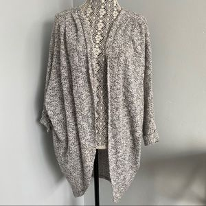 5 for $30 🔑 Long Cape Style Cardigan Size Small